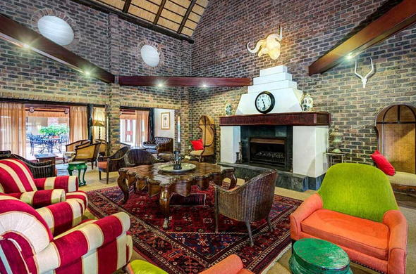 interior of lounge area at Protea Hotel Hazyview.